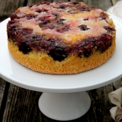 blackberry upside down cake recipe from cherryteacakes.com